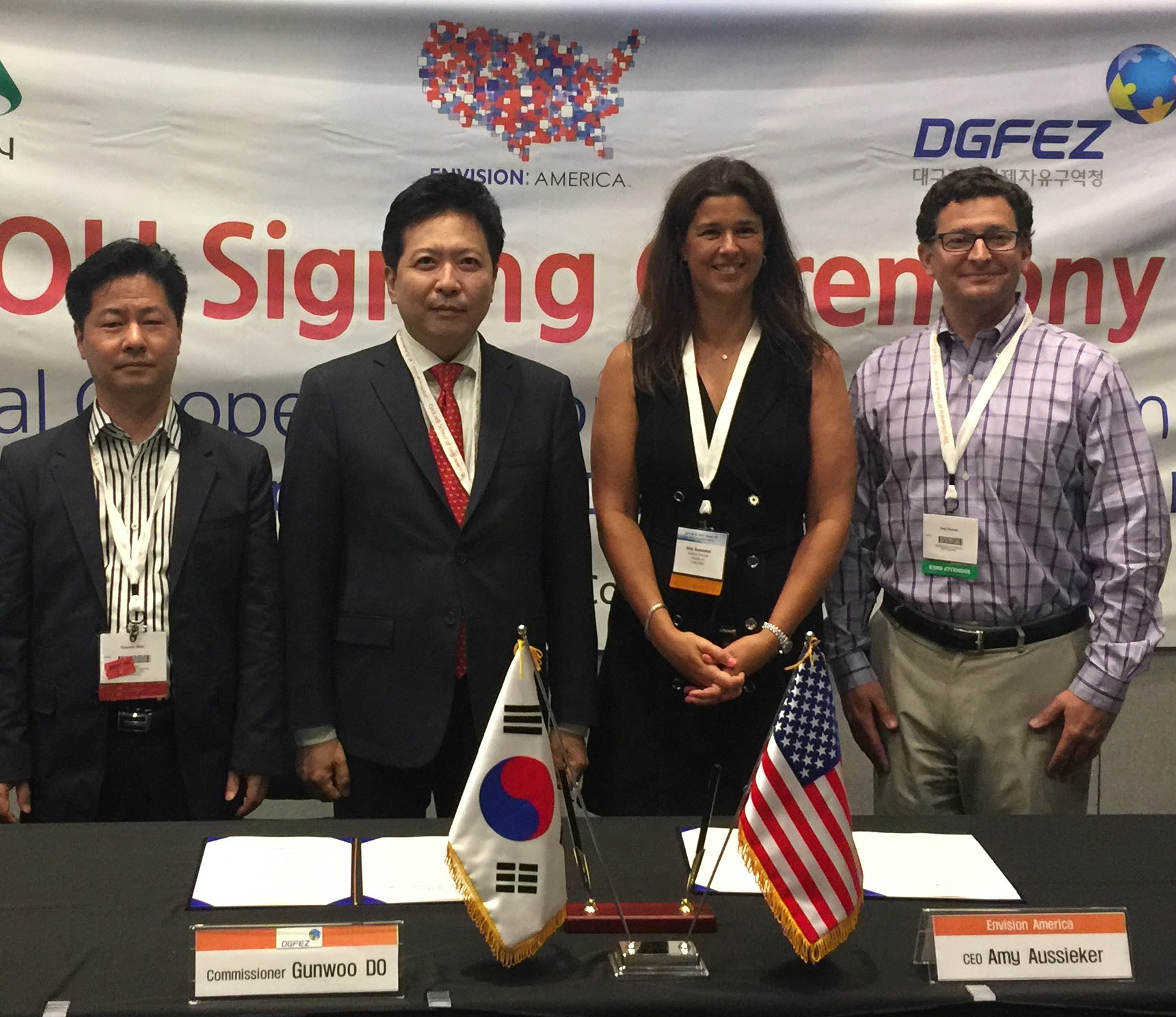 Leading Daegu to become a Smart City, signing MOU with Envis...